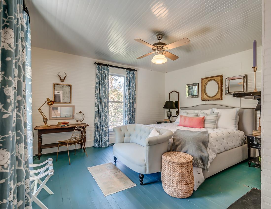 Fox country farmhouse Master Bedroom