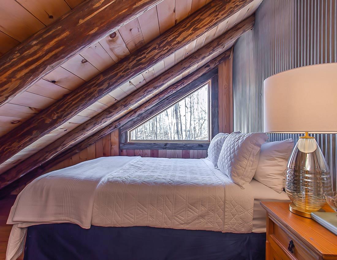 whites centerhill lake cabins bedroom