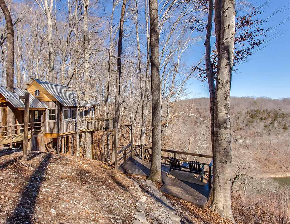 whites centerhill lake cabins treehouse view